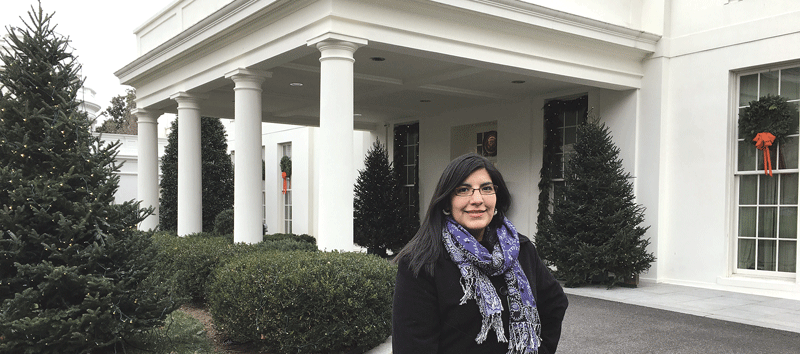 Elizabeth Barajas-Román visits the White House