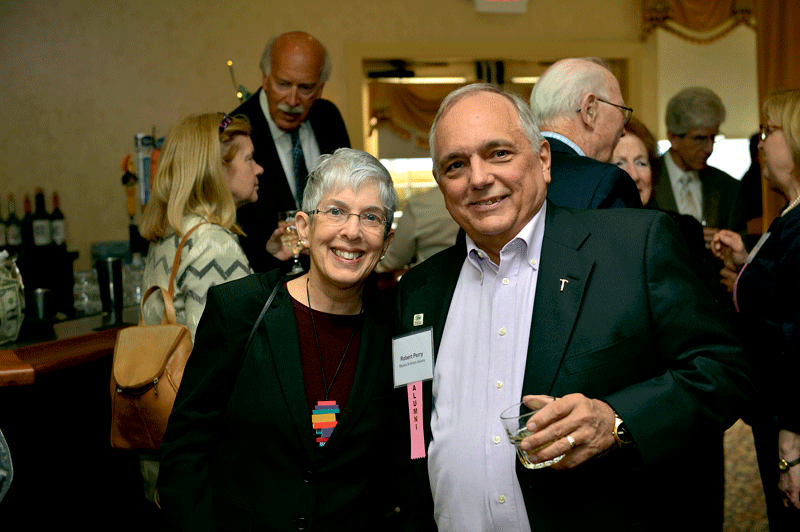 Susan Jaye-Kaplan, a 2009 Difference Maker, and Bob Perry, a 2011 Difference Maker.