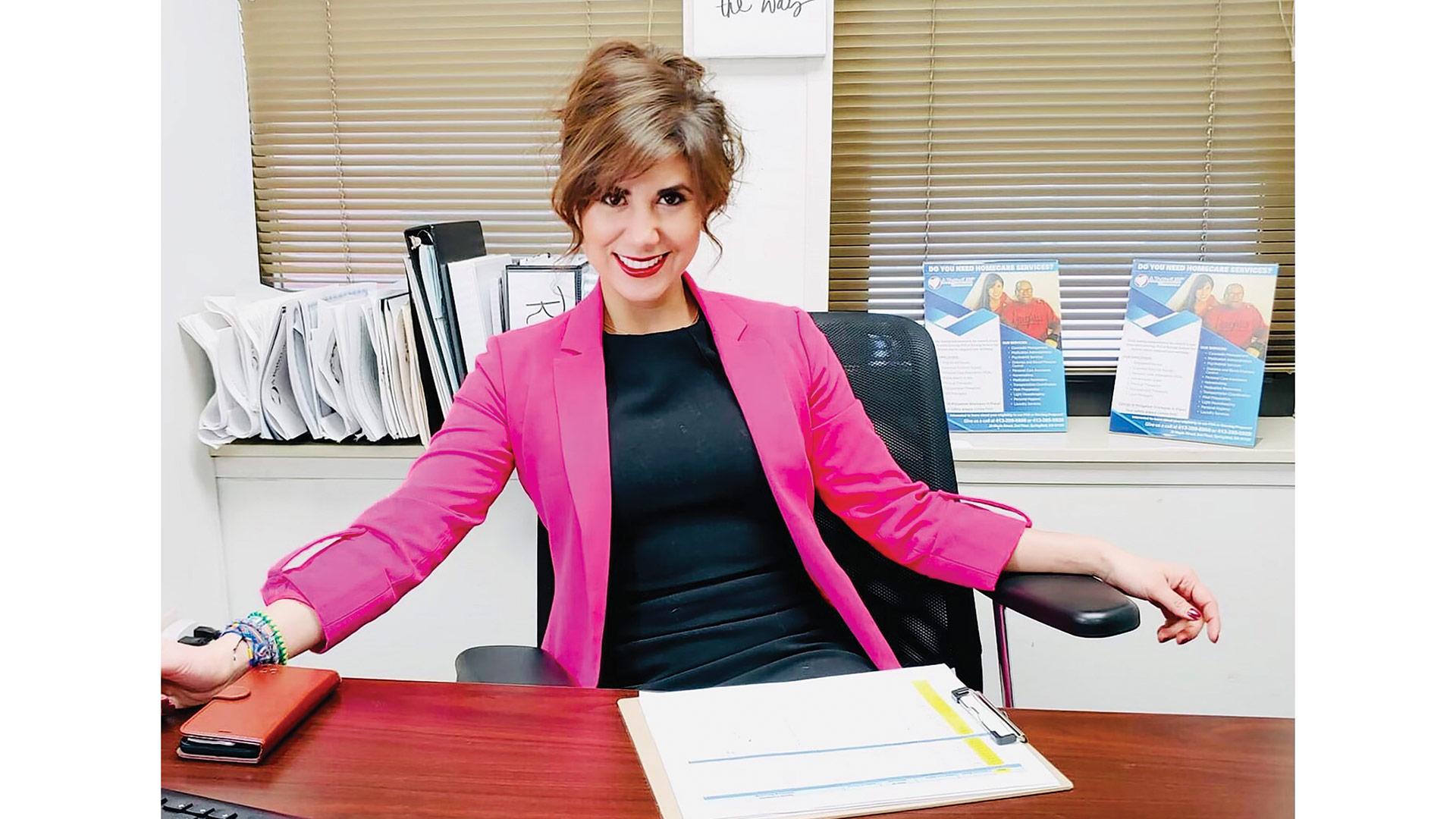 Claudia Lora